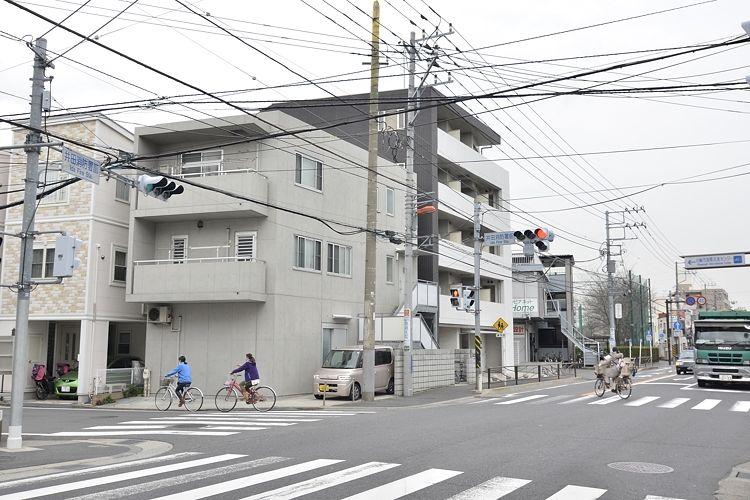 元住吉駅の賃貸:【帰り道は商店街。】