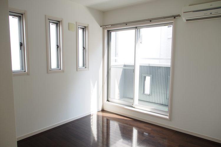 日吉駅の賃貸:【窓も設備も立地も欲張っちゃえ。】