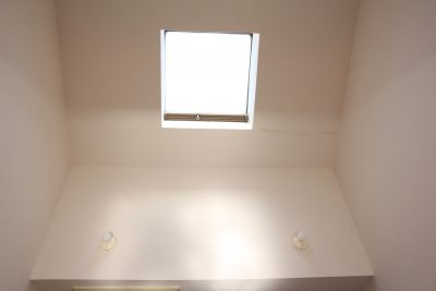 学芸大学駅の賃貸:【天窓から注ぐ陽光に、人心地。】