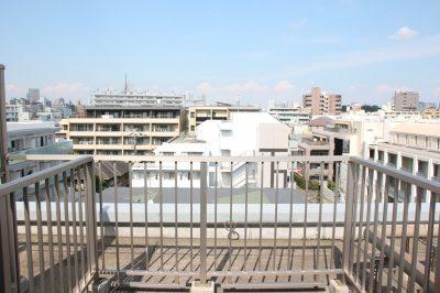 学芸大学駅の賃貸:【空へと、思わず手を伸ばして。】